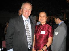 Lindy Chen with The Hon Peter Beattie, Premier of Queensland
